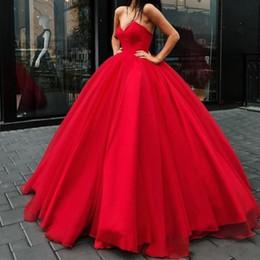 vestidos elegantes do tapete vermelho Desconto 2019 glamourosa princesa vermelha vestido de baile vestidos de baile com decote em v lace-up sem encosto vestido de tapete vermelho elegante puffy tulle até o chão vestidos de noite