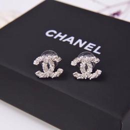 Brincos estilo europeu on-line-Europeus e americanos novas mulheres brincos de jóias personalidade viva meia pérola metade do diamante, moda estilo recomendado