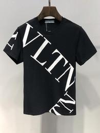 d42d0be51 Mens T Shirts Diseñador Mens Clothing Marca de Lujo Tops Moda de Verano  Marea de Alta Calidad Carta de Impresión de Cara Casual Hombres Camisa  M-3XL rebajas ...