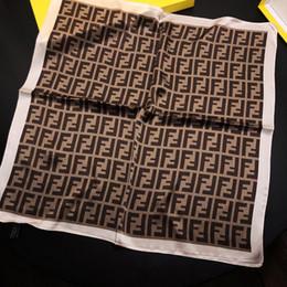 1pcs ff sac bandeaux 50 cm * 50 cm ff lettres style écharpes marque écharpes en soie pour dames bagues bandeau Dragonne bandeaux multi-usages ? partir de fabricateur