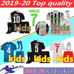 Kits para crianças on-line-2019 2020 Juventus camisa de futebol crianças kit 19 20 Personalizado Ronaldo DE LIGT DYBALA MARCHISIO MANDZUKIC juventus camisas de futebol crianças kits de futebol