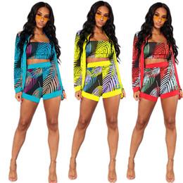 Tasarımcı Kadın Kıyafetleri Gömlek + Şort + Göğüs Wrap 3 Parça Set Yaprak Baskı Uzun Kollu Hırka Pantolon Tüp Tops Spor Yelek Trackusit 0369 868 cheap tube shirt nereden tüp gömlek tedarikçiler