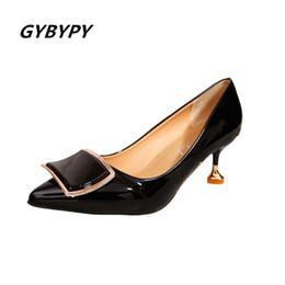 Meistverkaufte kleidschuhe online-Designer Dress Shoes 2019 Die meistverkauften spitzen hochhackigen Damen hochhackig mit eckiger Schnalle für Damen