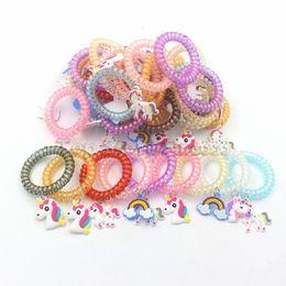 bracelet multi style Promotion Enfants Unique Licorne PVC Bracelet 50 Modèles Multi-style Cheval Bracelet Licorne Accessoires PVC Bande Dessinée Pendentif En Gros