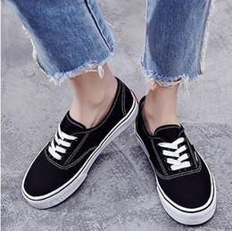 Günlük Ayakkabılar Ürün detay Klasik Siyah Beyaz Eski Skool Erkekler Kadınlar Casual Düz Ayakkabı Sneakers Skateboar nereden ucuz artı boyutu moda üstleri tedarikçiler