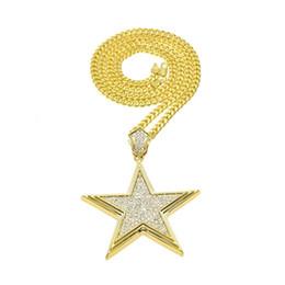 Collar para hombre estrella online-Estrella brillante Collares pendientes Para Hombre de Lujo Chapado en oro Charm Necklace Moda Rhinestone Golden Stars Collares Joyería Amante Regalo