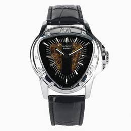 2019 homens triângulo relógio Vencedor de Luxo Automático-auto-liquidação Relógio Mecânico para Homens Único Triângulo de Aço Inoxidável Relógio de Caso Estilo Relógios Comércio homens triângulo relógio barato
