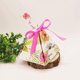 Caja de dulces día dulce online-2019 Sweet Love pirámide triángulo peonía papel caja de dulces con cinta Día de San Valentín fiesta de bodas caja de decoración de dulces