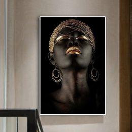 Pintura de mujeres desnudas fotos online-Desnuda africana Contemplador Negro Aceite de pintura de la mujer en los carteles lona e impresiones escandinava Arte cuadro de la pared de sala de estar
