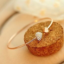 Herzförmiges diamantarmband online-Full Diamond Heart Shaped Bracelet Offenes, vergoldetes Armband mit doppeltem Herz