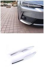cubiertas de luz toyota Rebajas (Solo se adapta al modelo europeo) Cubierta de la lámpara de la luz antiniebla delantera exterior Ajuste de la decoración para Toyota Corolla Sedan 2017 2018