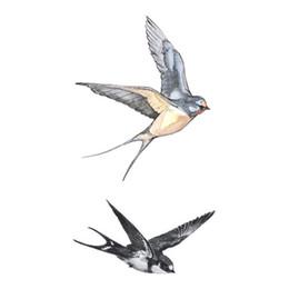 Fly Swallows Birds Design Body Art Tattoo Girl Hombres Mujeres Brazo Pierna Muñeca Pie Mano Pegatina temporal desde fabricantes