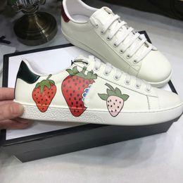 Ace Ayakkabı Tasarımcısı Ayakkabı çilek deri Rahat Sneakers nakış arı, çiçekler kaplanlar meyve ejderha Erkekler ve Kadınlar Sneakers Boyutu us5-us13 nereden