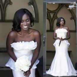 2020 vestido de noiva branco sem alças Africano Branco Sem Alças Sereia Vestidos de Baile Estilo Nigeriano Novo 2019 Plissado Peplum Longo Formal Vestidos de Noite Meninas Negras Desgaste Do Partido desconto vestido de noiva branco sem alças