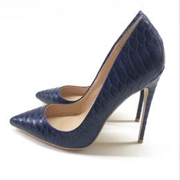Argentina 2018 nuevos zapatos sociales de otoño para mujeres, serpiente azul oscuro, punta afilada, tacón superficial, zapatos de tacón alto, zapatos de 12 cm para mujeres. # 9504 supplier dark blue high heel shoes Suministro