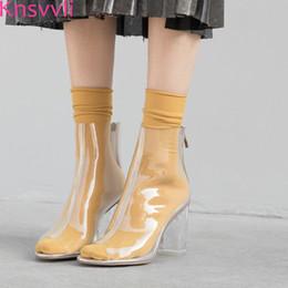 7324027073d5 Knsvvli 2019 nouveau pvc en plastique transparent bottes à talons hauts  chunky pour les femmes peep toe chaussures sexy piste femmes bottes d été
