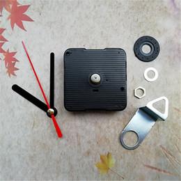 Vente en gros 10 sets silencieux balayage horloge quartz mouvement de remplacement arbre 13MM avec les mains et crochet en métal bricolage ? partir de fabricateur