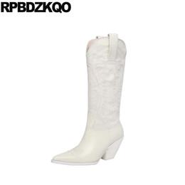botas bordadas zapatos Rebajas Rodilleras fornidas hasta la rodilla zapatos occidentales de tacón vaquera marca de mujer de invierno botas de cuero genuino puntiagudo puntiagudo bordado