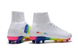 2020 migliore qualità Scarpe da calcio bianco Rainbow 100% Pattini originale morsetti di calcio Mercurial Superfly V FG superiore di calcio di qualità