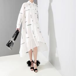 koreanische roben Rabatt Neue 2019 koreanischen stil frauen weiß gestreiften hemd dress langarm rüschen saum weibliche stilvolle midi party club kleider robe f223