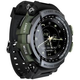 Orologio digitale lungo online-MK28 Sport intelligente guardare la vita impermeabile Bluetooth chiamata di promemoria Digital Clock tempo standby SmartWatch donne degli uomini 3 colori