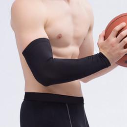 2019 pastiglie protettive Elastico Basket Arm Gomito Protector Brace Gear Mano Braccio protettivo Pad Support Anti-crash manica lunga ciclismo Sicurezza LJJZ78 pastiglie protettive economici