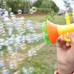 2019 brinquedo de bolhas soprando por atacado Nova venda por atacado de sopro de água brinquedos fabricante de bolhas de bolhas de sabão ao ar livre crianças criança brinquedos sem água brinquedo de bolhas soprando por atacado barato