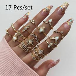 2019 impostazioni del diamante rotondo 17 pc / insieme bohemien retrò anelli donne Pearl Corona anello di cristallo ragazze Waves Cuore geometrica oro Set monili del partito dell'anello Regali