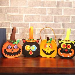 Canada Halloween nouvelles décorations Une variété de sacs à main de style de bande dessinée props sacs à main non-tissé bonbons sacs-cadeaux en gros Offre