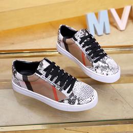 2019 nombres de los mejores diseñadores Nombre Marca Kanye West Arena Zapatos Hombre Zapatillas de deporte casuales Red Diseñador de moda High Top Zapatillas baratas Negro Blanco Zapatos de fiesta Entrenador Tamaño 44 liu rebajas nombres de los mejores diseñadores