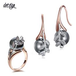 Deczign Grande sconto vendita Orecchini set di anelli Placca in oro rosa pavé grigio perla zircone cubico Set di gioielli all'ingrosso per donne WE3745 / WA11315 da