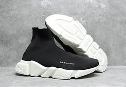 Marques de vêtements pour femmes en Ligne-Haute Qualité 2021 Casual Chaussures De Mode Marque Chaussette Bottes Femmes Nouveau Slip-on Élastique Tissu De Luxe Vitesse Trainer Hommes Designe Chaussures 36-45