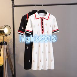 2019 kate middleton vestito bianco corto Camicie a manica corta da donna di gril dress STRETCH VISCOSE Bodycon a-line lavorato a maglia Abiti camicie con ricamo ape Brand Same Style