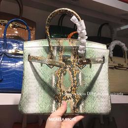2020 bolsos de cuero de pitón Python serpiente de la manera de lujo de las mujeres Totes Animal relieve femenino real de cuero de vaca bolsos de hombro del monedero del bolso de compras Mensajero bolsos de cuero de pitón baratos