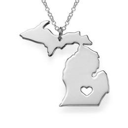 fascini dello stato degli stati uniti Sconti All'ingrosso-2016 in acciaio inox USA map collane del pendente 1,0 millimetri collana del collare di modo dell'argento Michigan State cuore della cavità Charm Spessore
