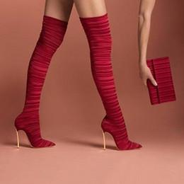 Yeni 2019 Kırmızı Siyah Kırmızı Pileli Kumaş Uyluk Yüksek Çizmeler Stiletto Metal Bıçak Yüksek Topuklu Bayan Ayakkabı Sivri Burun Kadın Çizmeler nereden