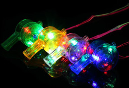 Горячий 6 * 3 см многоцветный светодиодный мигающий свисток мигающий бар свисток детские игрушки для вечеринок быстрая доставка от