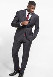 Últimos Abrigos Pantalones Diseños Gris Oscuro Traje de Hombres Slim Fit Flaco 3 Piezas Blazer Personalizado Trajes de Novio Esmoquin Simple desde fabricantes