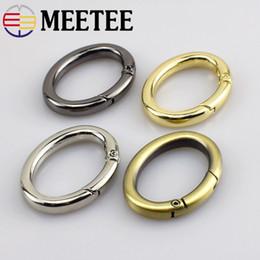 cinturon d anillos Rebajas Meetee 37 * 20mm Metal Oval Spring O D Ring Hebillas de hebillas para bolsas Correa Hebillas de cinturón DIY Accesorios de hardware de cuero Craft