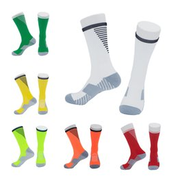 Calcetines largos lisos online-8 Estilos Calcetines de fútbol de color púrpura Calcetines largos y lisos Sobre la rodilla Calcetín alto Antideslizante y resistente al golf Golf Bowling Racing Ciclismo M113Y