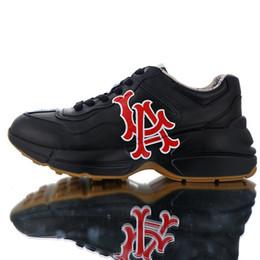 2019 homens carrega itália Itália Rhyton de luxo Do Vintage dos homens Sapatos de Grife Homens das mulheres Sapatilhas Sapatilhas Running Shoes NY Yankees Boca de Impressão Do Esporte Botas 36-45 desconto homens carrega itália
