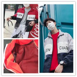 0147b1dd11 2019 mostrar casacos Homens   mulheres fora do revestimento bale kanye  Marca De Luxo Paris Fashion