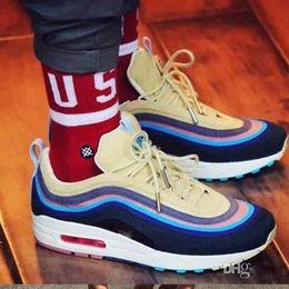 2019 sapatas de basquetebol do onemix Sean Wotherspoon x 97 VF SW Corduroy Running Shoes Mens formadores Baixos luxo sapatos casuais 1 97 mulheres moda tênis de grife sapatos EUR36-45