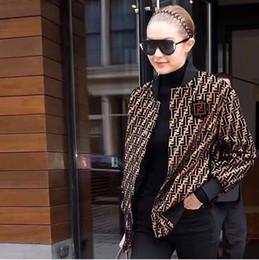 2019 livre senhoras tricô padrões Moda-Mulheres De malha casaco Ins Clássico de luxo famosa marca de moda Fresco Sexy Casual Carta manga comprida Moda Botão curto camisola casaco
