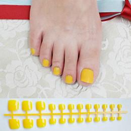 Candy Yellow Press On Nails Pies Square Glossy Short Uñas de uñas falsas para niñas Uñas de acrílico Falso Artificial sin pegamento desde fabricantes
