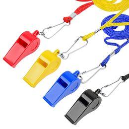 matériaux de porte-clés en gros Promotion Sifflets En Plastique De Haute Qualité Avec Longe Pour Entraîneur Arbitre Survie Sportive Couleurs Noir Bleu Jaune Rouge