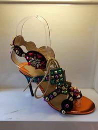 Fundos strappy on-line-Sandálias de salto alto de fundo vermelho lace-up Studded womens verão sapatos de luxo Designer de strappy Stiletto saltos sapatos de festa de casamento com caixa