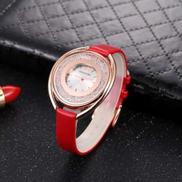 2019 тенденция мода женские часы известный бренд Swarovski женские часы благородный овальный циферблат Алмаз часы relogios femininos женский подарок от Поставщики модель потока воды