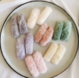 Corea establece niña online-2pcs / set Corea del nuevo de la felpa del invierno de las horquillas de sólidos clips de color de piel falsa de pelo de las muchachas Barrettes Moda Niños Accesorios para el cabello suave 20set