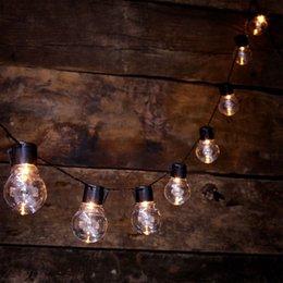 luces de cadena de patio solar Rebajas cadena de luz exterior con 20 bombillas LED transparentes para la cubierta del patio trasero bistró yang decoración de fiesta blanco cálido, caja de batería / energía solar